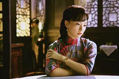 张爱玲《倾城之恋》:不懂的人可以搭伙,互懂的人也会蹉跎