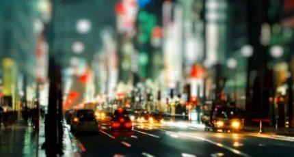 城市很大,孤独的人都很晚回家